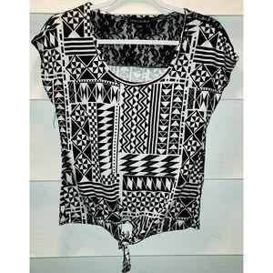😍3/15$ Aztec Print Shirt